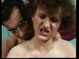 角質媽媽與好身材,醜陋的臉,下垂的胸部
