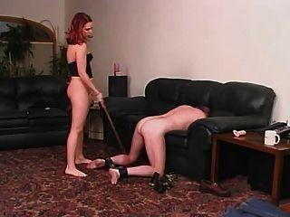 一位女士和她的奴隸