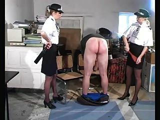 警察婦女懲罰
