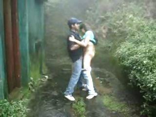室外公共吸他媽的雨