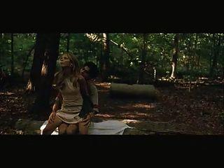 莎拉米歇爾蓋他性交在木頭