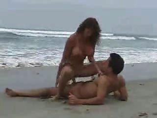 在海灘上的性別2