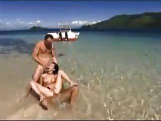 在海灘上的三重奏由snahbrandy