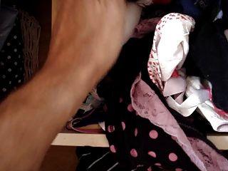 隔壁女兒內褲抽屜....