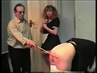 女僕caning 3