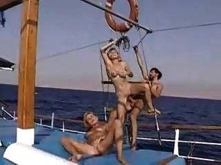 在熱的3some小船的alexa schiffer