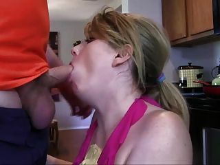 stepmom&stepson affair 72(我的順從fuckbot)