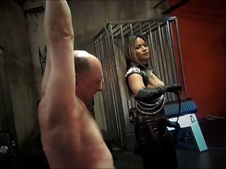 鞭打和鞭打再次由亞洲女主人
