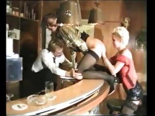 團體性與幾個漂亮的德國成熟女人的絲襪