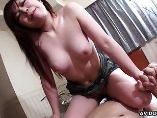 非常馬虎迪克騎為亞洲青少年妓女