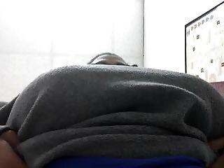 大titty黑人婦女在工作...再次顯示奶奶