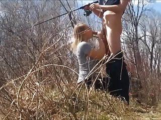 釣魚,而她吸我的公雞