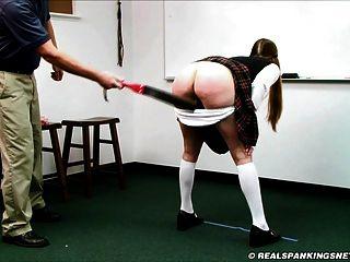 女學生被主任束縛