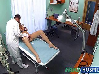 fakehospital角質學生從醫生得到一個好他媽的