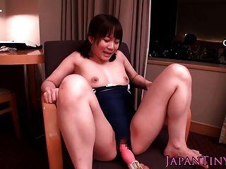 緊身連衣褲的小日本寶貝,當玩具戲弄