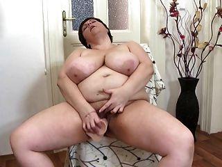 性感成熟的母親需要一個好他媽的