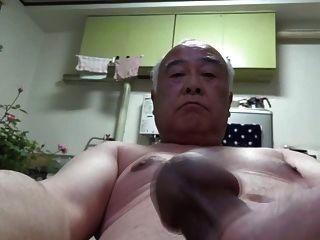 日本老人所有赤裸自我handjob
