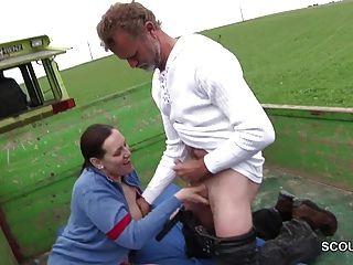 德國媽媽母親勾引他媽的戶外由陌生人