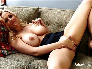 壞老師milf julia ann顯示你如何獲得額外的信用