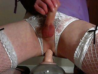 三個性高潮他媽的一個假陽具在內衣:)