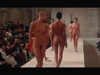 裸體時裝表演