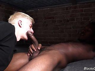 osiris得到他的黑色cellmate