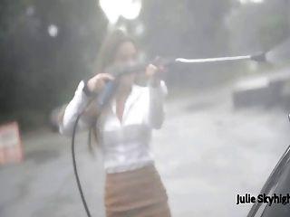 最好的朱莉skyhigh在絲襪,毛皮和超短裙公共