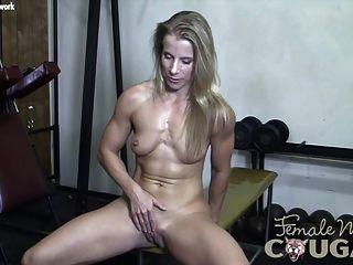 肌肉美洲獅播放與她濕的貓