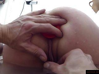 肛門訓練在浴缸小陽光milf