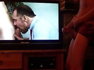 挪威爸爸觀看同性戀色情威嚴2015年