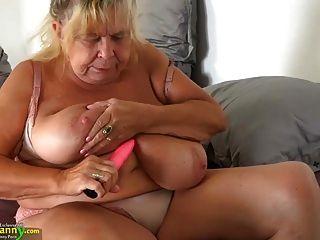 oldnanny兩個肥胖的奶奶和他們的大胸部