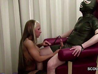 德國熱青少年女性他媽的老人在乳膠