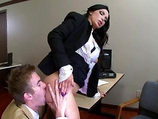 ms benz gettin她的屁股舔臟