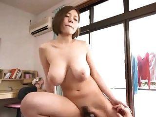 美麗的日本豐滿的女孩