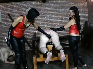 2女主人2奴隸2鞭