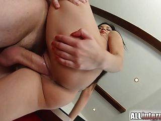 allinternal性感的寶貝滴漏暨從她的陰戶