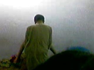 巴基斯坦學院教授他媽的學生