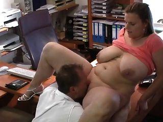 性感的德國bbw得到他媽的在面試