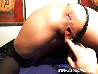 極端拳擊和尿道插入