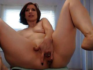 12英寸假陽俱全部在她的屁股+噴