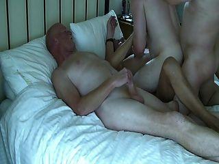 爸爸和年輕2