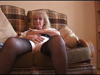 奶奶起訴顯示她的一切