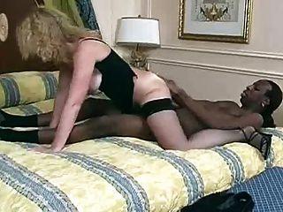 妻子cathy黑色creampie注射