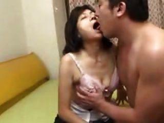 日本媽媽吸燕子&噴