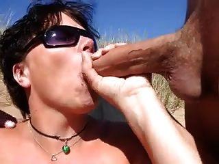 裸體海灘雙口交與兩個cim面部