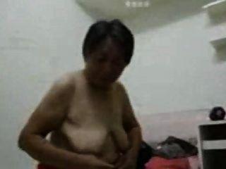 亞洲奶奶穿後性