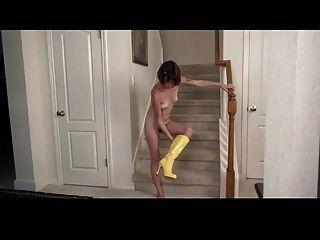 角質多毛在樓梯中自慰
