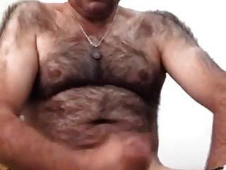 moustached阿拉伯爸爸他的工具(沒有cums)