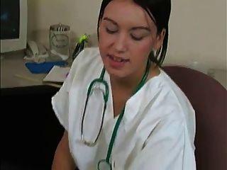 女醫生從病人wf獲取精子樣品和味道