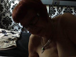 成熟的曼徹斯特妻子吸我的小公雞